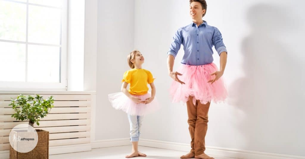 Dad teaches his girl ballet at home